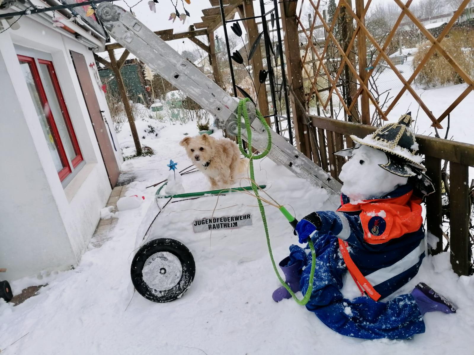 Feuerwehr-Schneemannwettbewerb